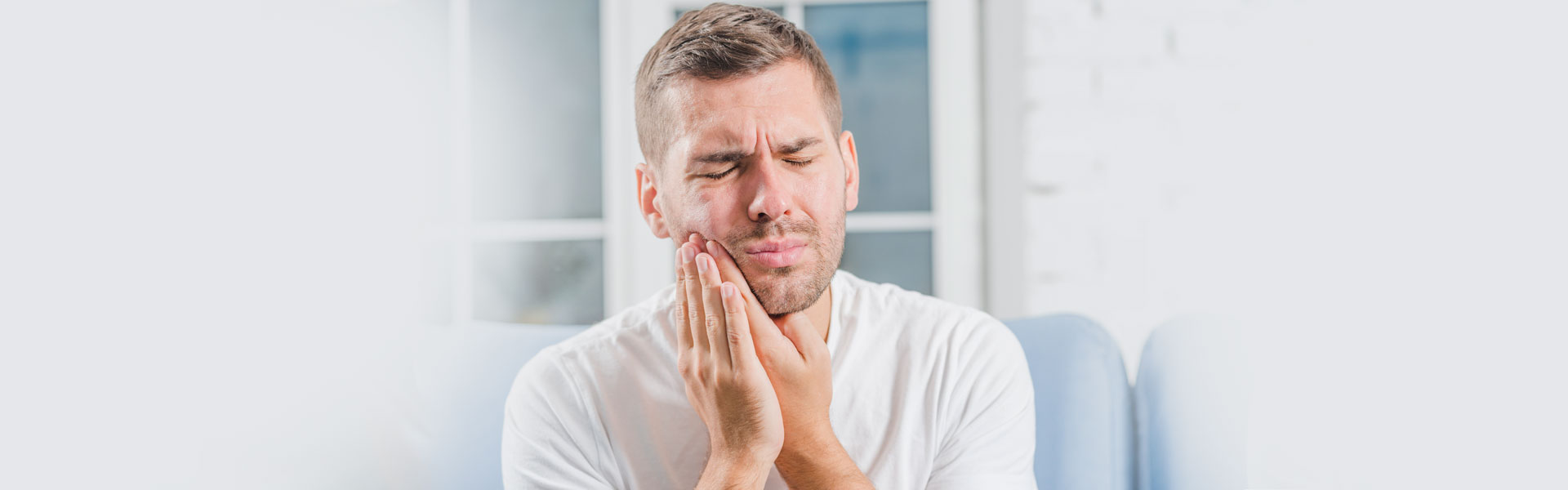 Cracked Tooth Call an Emergency Dentist in Suffern